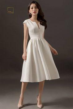 trendy skirt a line pattern style Source by markusbreuer dress Civil Wedding Dresses, Grad Dresses, Wedding Dress Sleeves, Evening Dresses, Summer Dresses, Simple Dresses, Casual Dresses, Fashion Dresses, Formal Dresses