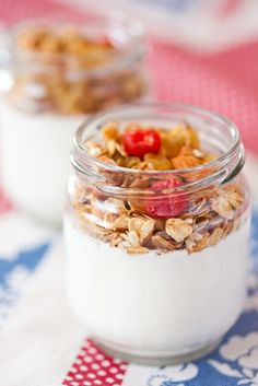 Homemade Vanilla Yogurt with granola Granola, Muesli, Best Breakfast, Breakfast Recipes, Healthy Snacks, Healthy Eating, Healthy Skin, Healthy Life, Healthy Recipes