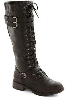 online retailer 7ed6e 07f94 Channeling Classic Boot in Black on shopstyle.com Zwarte Enkellaarsjes,  Hoge Laarzen, Bruine