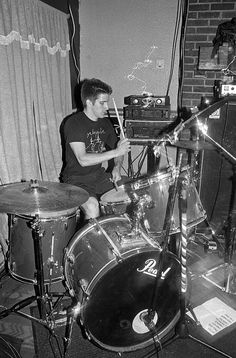 """Brut live @ l'Absynthe, Montréal, 02/07/2011. Black and white film photography by François Carl Duguay. """"$40"""" 16"""" x 20"""" silverprint available at www.laligneaharde.com"""