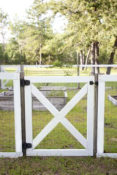 How-to Build a DIY Garden Fence