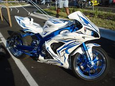 This is it! GSXR with the blue and white!