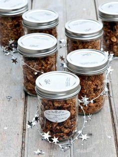 pumpkin cashew granola | @Winnie | Healthy Green Kitchen  www.healthygreenkitchen.com