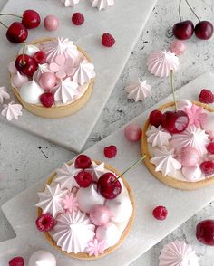 By LG 💕🍒 . Mini Desserts, Dessert Recipes, Dessert Presentation, Think Food, Cupcakes, Beautiful Desserts, Cherry Tart, Sweet Tarts, Mini Cakes