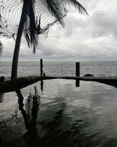 #sea #water #dark #photography #colombia #capurgana #coquerita Reserva Natural, Mountains, Instagram, Nature, Travel, Natural Swimming Pools, Fresh Water, Colombia, Naturaleza