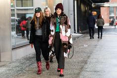 Street style à la Fashion Week automne-hiver 2017-2018 de New York : Leandra Medine Man Repeller