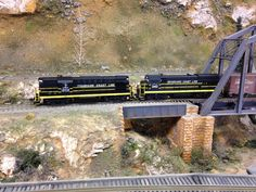 Seaboard Coast Line RS11 and U18B