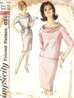great collar on 60's fashion