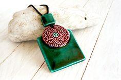 Pendente lungo in ceramica, malva e verde collana, gioielli in ceramica Mandala, gres porcellanato gioielli, gioielli della Boemia, regalo di Natale