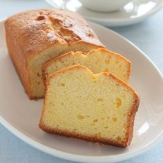 This is the BEST PoundCake! It's an easy homemade pound cake recipe you'll love. You won't believe how simple this pound cake loaf is to make. There's one secret ingredient to make it rich and moist. Homemade Pound Cake, Easy Pound Cake, Pound Cake Recipes, Butter Pound Cake, Best Pound Cake Recipe Ever, Quatre Quart Cake, Just Desserts, Dessert Recipes, Old Fashioned Pound Cake