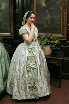 dressdiaries: 1840's Gown and Underthings Part 2