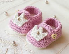 Princess Charlotte Baby Booties - Free Crochet Pattern