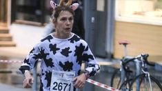Vegan Marathon Runner Fiona Oakes Wins Guinness World Record in a Cow Costume