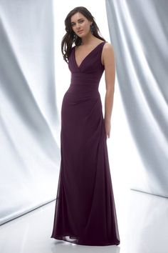 My sister would look beatiful in this dress on my wedding day!