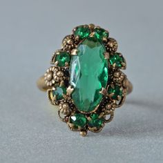 Art Nouveau Filigree Ring Green Emerald Cut by prettyinprague