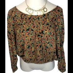 Jessica Simpson Cropped Floral Peasant This is a sweet top with multi-colored floral print.  Elastic at bottom band and edge of sleeves.  This would be so cute with capris and a floppy hat! Jessica Simpson Tops Crop Tops