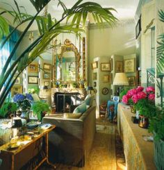 delight by design: in the weeds Paris apartment of KK Auchincloss in World of Interiors, November Room Interior Design, Living Room Interior, Interior Decorating, Beautiful Interiors, Beautiful Homes, Green Apartment, World Of Interiors, Paris Apartments, My Living Room