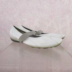 2000s MIU MIU Leather 1-Strap Slipper Shoes, NOS