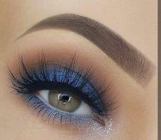 Nice eye makeup- Schönes Augen Make-up Beautiful eye makeup, - Blue Makeup Looks, Blue Eye Makeup, Eye Makeup Tips, Makeup Goals, Skin Makeup, Makeup Inspo, Eyeshadow Makeup, Eyeliner, Mascara