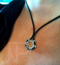 Star pendant  Zilveren hanger aan rubberen koord Sterling silver pendant with rubber cord