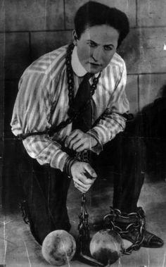 ladies and gentlemen . . . mr. harry Houdini . . . costume idea?