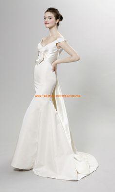 Vestido de novia de satén con cuello en V