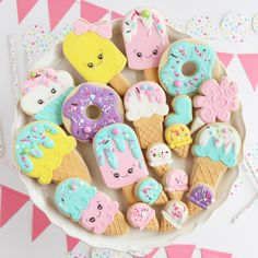 🍦 Ice Cream Party 🍦 at the These little guys will be available to purchase tomorrow! 125 N Elm… Donut Ice Cream, Ice Cream Cookies, Ice Cream Party, Ice Cream Cute, Ice Cream Birthday Cake, Birthday Cookies, Birthday Cake Pops, Candy Theme, Candy Party