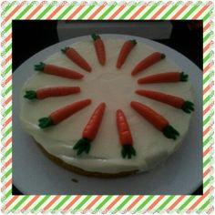 Wortelcake met marsepeinen worteltjes
