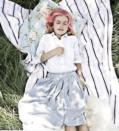 The sophisticated Belgian children's wear brand Morley just released their look book for Spring / Summer 2018. I love these playful collections.