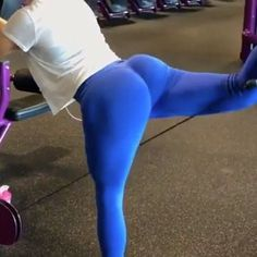 """6,915 Likes, 139 Comments - Workout Videos (@gymgirlvids) on Instagram: """"Vid by: @fashnfitlife Squeeeze! Full leg workout ladies & it is fireSome legit exercises Tag Yo…"""""""