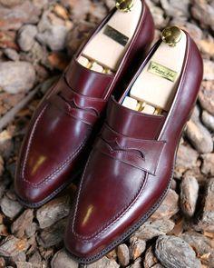 bb2e5c1fbec Corno blu  cornoblu  coccinella  bespokesalon  cornoblu Gentleman Shoes
