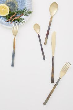 Healthy Cooking with Sun Basket + Elevate Your Every Day with These Entertaining Tips // gold flatware