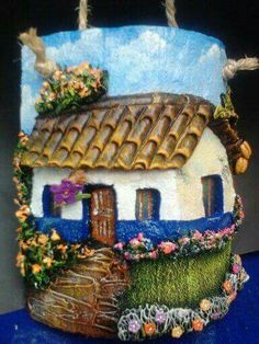 Silvia Solchaga's media content and analytics Clay Art Projects, Clay Crafts, Diy Crafts Hacks, Diy And Crafts, Clay Wall Art, Ceramic Houses, Paperclay, Decorative Tile, Dollhouse Dolls