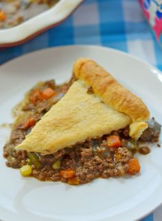 We love this hearty Beef Pot Pie easy dinner recipe during the cooler months for something different from chicken!