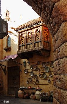 Arabic decoration Reminds me of the houses in small villages in Middle East. Lovely and creative decor. Arabic decoration Reminds me of the houses in small villages in Middle East. Lovely and creative decor. Grinch Christmas Decorations, Arabic Decor, Arabian Art, Old Egypt, Islamic Architecture, Arabian Nights, Egyptian Art, Creative Decor, Islamic Art