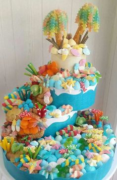 Candy Birthday Cakes, Candy Cakes, Baptism Cupcakes, Sweet Hampers, Pie Decoration, Bar A Bonbon, Sweet Carts, Candy Pop, Candy Bouquet