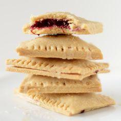 Made with non-vegan butter and milk-- soo good! Vegan Berry Pop Tarts by minimalist baker Baker Recipes, Tart Recipes, Vegan Recipes, Vegan Meals, Vegan Food, Vegan Sweets, Vegan Desserts, Vegan Poptarts, Minimalist Baker