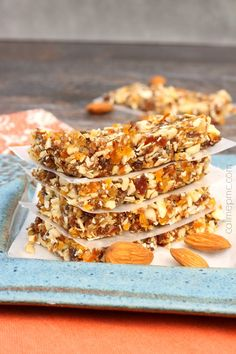 Apricot Almond Energy Bars Recipe - 5 minutes to this simple energy bar recipe, cheaper and easier than store-bought. I definitely wanna try making this. Healthy Bars, Healthy Sweets, Healthy Snacks, Healthy Recipes, Protein Snacks, Healthy Breakfasts, High Protein, Eating Healthy, Clean Eating