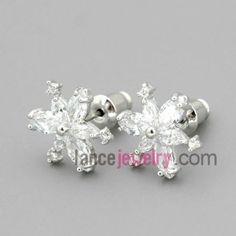 Snowflaker studded earrings