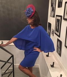 Conchita Saiz. Vestidos a medida Bell Sleeves, Bell Sleeve Top, Glamour, One Shoulder, Fashion Outfits, Anna, Dresses, Women, Color
