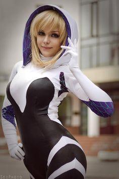 Character: Spider-Gwen (Gwen Stacy) / From: MARVEL Comics 'Edge of Spider-Verse' & 'Spider-Gwen' / Cosplayer: Taorich