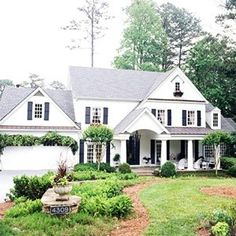 similar roofline could be used on back of house for porch addition Style At Home, Garage Door Styles, Garage Doors, Porch Addition, Garage Addition, Entry Way Design, Home Additions, White Houses, Home Fashion