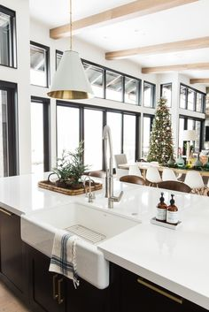 Modern Mountain Home Christmas - Studio McGee