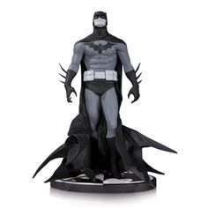 Batman B&W Statue - Batman by Jae Lee