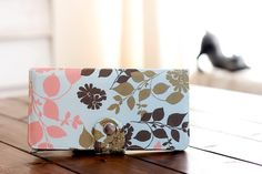 Wallet clutch, handmade and super cute!