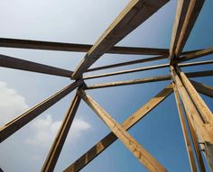 Giardini, Venice Photo creds CreateSpace #giardini #venezia #biennalearchitettura2016 #biennale #wood #construction #architecture #lookup #minimal_lookup #bluesky ##beam #italy #shelter #material #instapic Create Space, Shelter, Minimal, Shelters, Minimal Techno