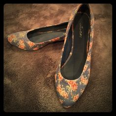 Cute Blue With Pink Flowered Low Heels Very sweet low heels at approximately 1 1/2 inches.  Excellent Condition and almost no sign of wear.  Union Bay.  Fabric over canvas material.  Softer sides for stretch with nice firm backs to keep them in place. Unionbay Shoes Heels
