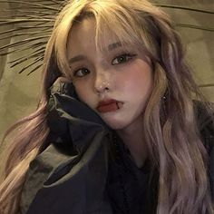 """""""your impression of me is wrong, you think you know me but you don't know a single thing about me, let's keep it that way. Pretty Korean Girls, Cute Korean Girl, Asian Girl, Korean Aesthetic, Aesthetic Girl, Pretty People, Beautiful People, Ulzzang Korean Girl, Ulzzang Hair"""