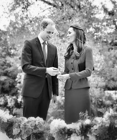 Prince William and Kate Middleton are spending April 2014 touring New Zealand and Australia with their royal baby. William Kate, Kate Middleton Et William, Prince William And Catherine, Pippa Middleton, Middleton Family, Prince William Family, Princesa Kate Middleton, Prince George Alexander Louis, Prince Georges