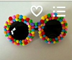 Pom poms - Pom poms The Effective Pictures We Offer You About 5 minute crafts A quality picture can tell you - Karneval Diy, Theme Halloween, Arts And Crafts, Diy Crafts, Preschool Crafts, Mardi Gras Costumes, Pom Pom Crafts, Diy Accessories, Festival Fashion